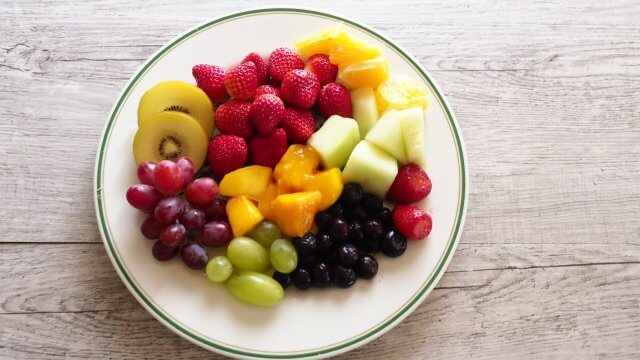 朝食に果物を食べよう